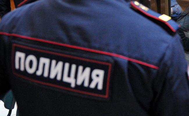 В Сыктывкаре в каникулярное время полицейские и общественники проводят массовые проверки семей, состоящих на профучетах.